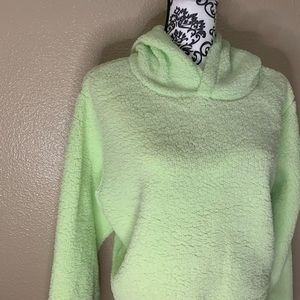 wild fable Tops - NWT Wild Fable Fleece Cropped Hoodie